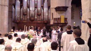 la-chiesa-di-cosenza-abbraccia-sei-nuovi-sacerdoti_1