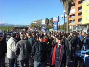Protesta contro Legge Stabilità a Cosenza Nord