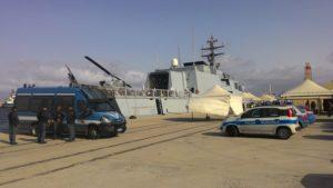 Migranti nel porto di Reggio Calabria