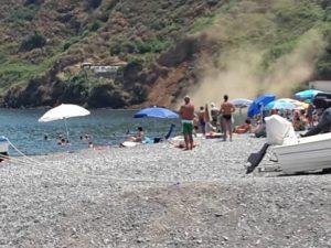 Rapisce bimba in spiaggia e fugge, rincorso e poi fermato.Panico per famiglia turisti in spiaggia Scoglitti