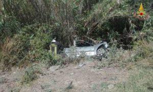 Incidenti stradali: 5 feriti nel reggino, autofinita in un fossato
