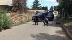Carabinieri sul luogo dell'agguato