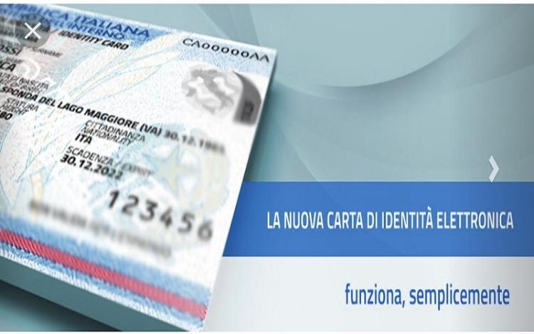 Bologna, addio alla carta d'identità cartacea