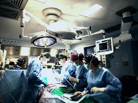 Buona sanità in Calabria, doppio intervento cuore-cervello su due pazienti